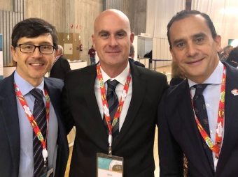 Dr OSCAR VIDAL with the SCPMIN president and the AEC president